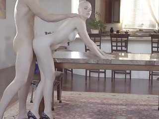 Short Hair Blonde Riley Nixon Loves Sex