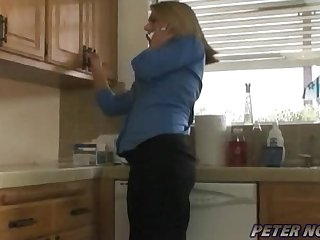 Hot & Horny Mom Fucks Her Younger Delivery Guy